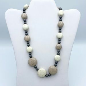Vintage Avon Sand Pebbles Speckled Beaded Necklace